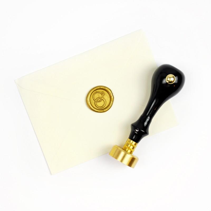 cachet de cire personnalis initiales sceau en m tal pour cire. Black Bedroom Furniture Sets. Home Design Ideas